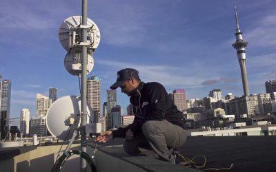How does wireless internet work?